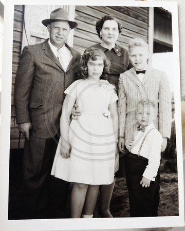 Hathorn family Ray Hathorn on far right (little boy)